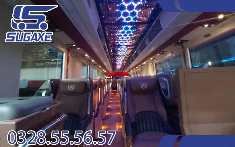 Thuê xe du lịch limousine 18 chỗ
