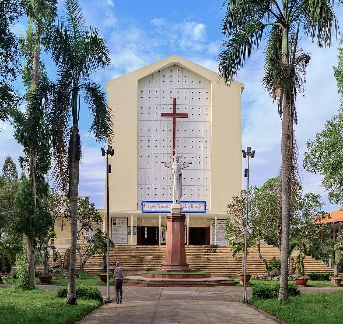 nhà thờ vĩnh long