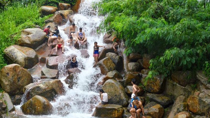 thác nước thủy châu