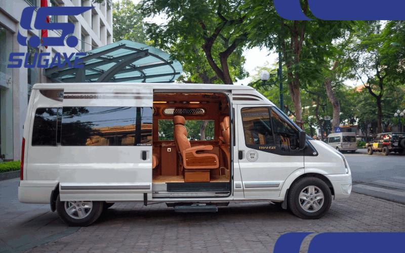 xe Ford Transit Limousine 2020
